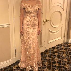 Beautiful dress size 2